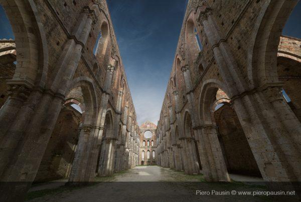 Abbazia di San Galgano in Toscana a Chiusdino